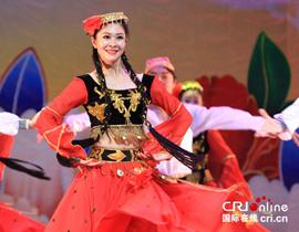 维吾尔族舞蹈《掀起你的盖头来》