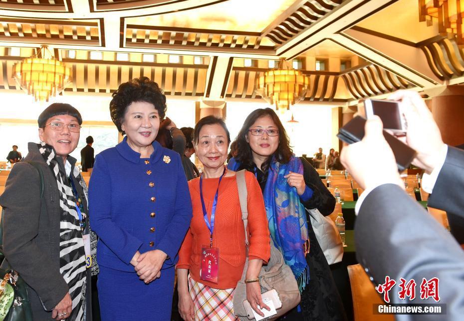 国侨办主任裘援平出席华文文学大会