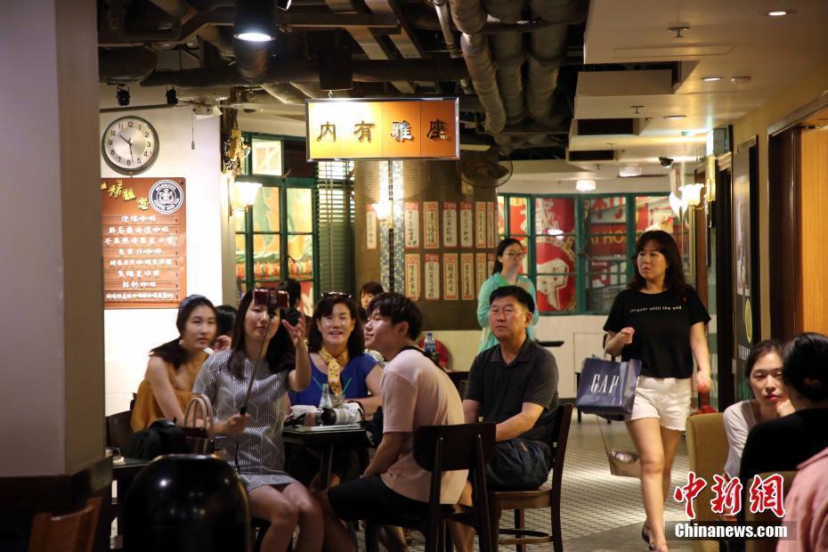 香港回归20周年 煤气灯街旧日情怀