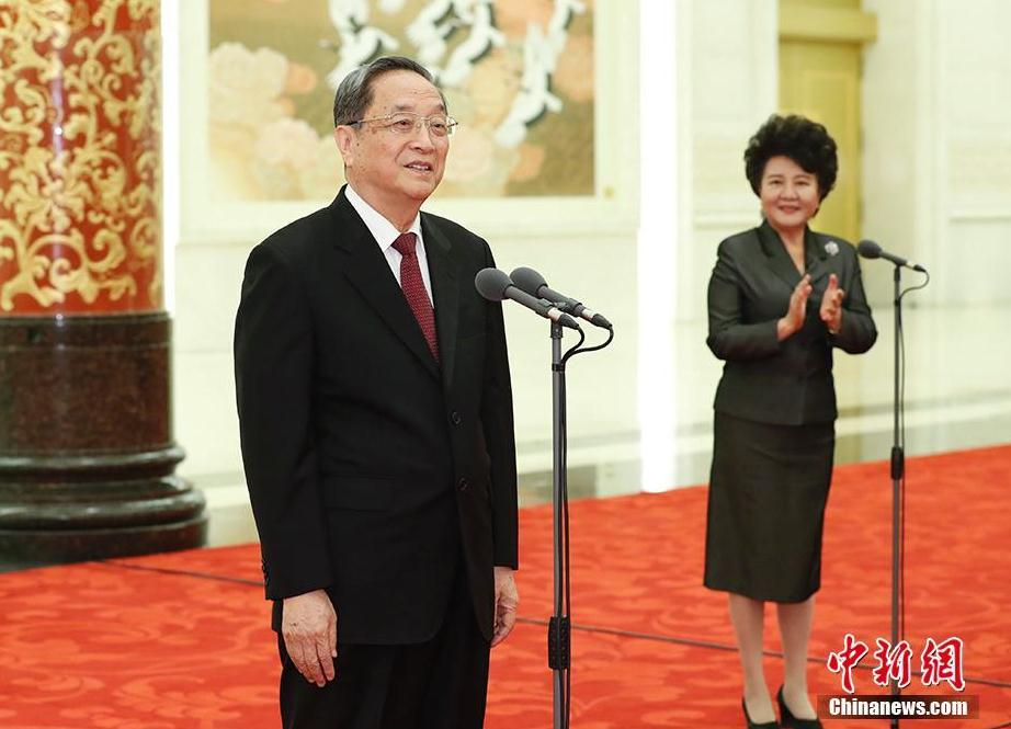 俞正声会见中国海外交流协会第六次会员大会全体代表