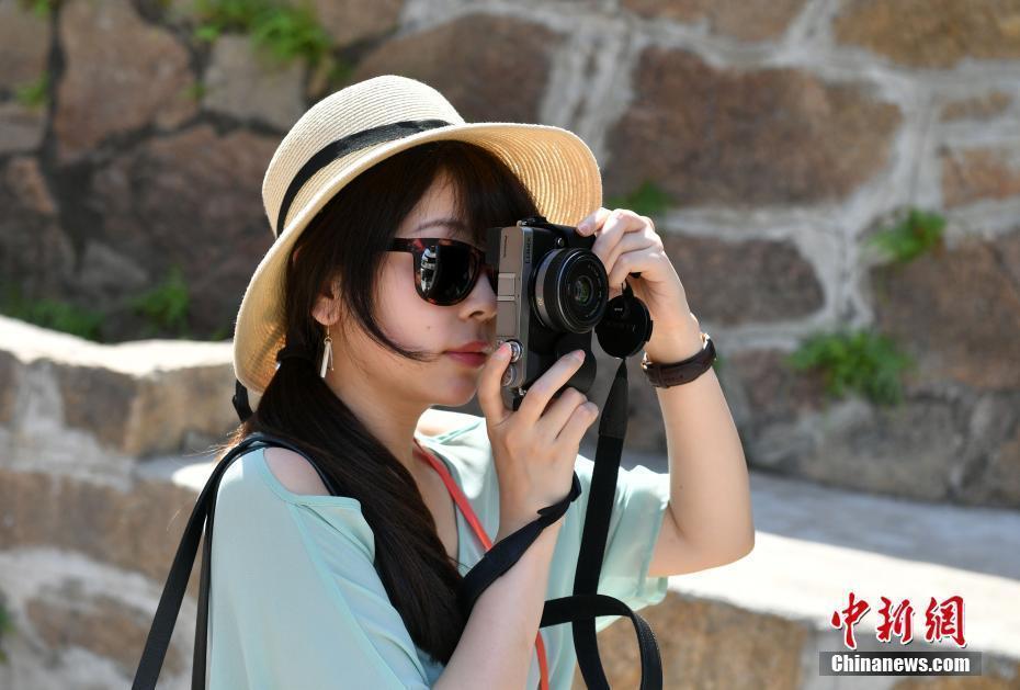 """海外华文传媒界的""""她""""风景"""
