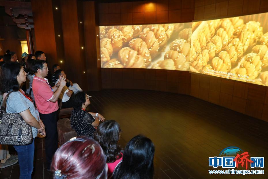 华媒代表走进天津老字号企业感受传统食品文化