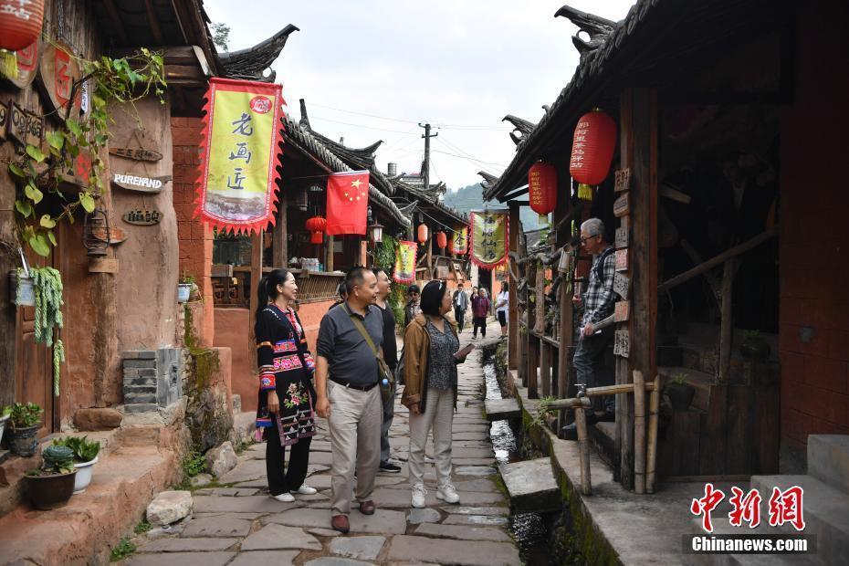 24家海外华文媒体代表走进云南普洱