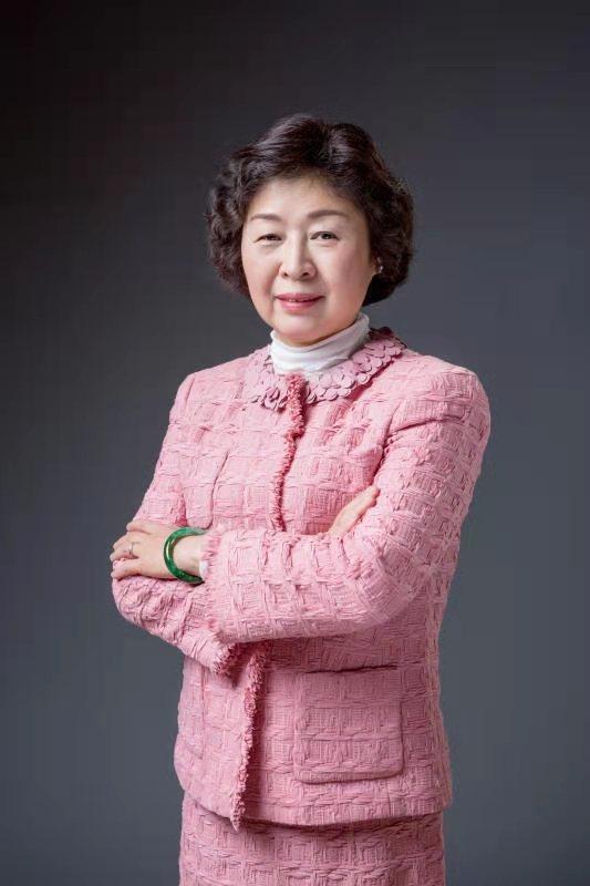 张茵:玖龙纸业(控股)有限公司董事长