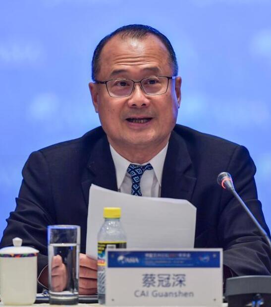 蔡冠深:粤港澳大湾区企业家联盟主席
