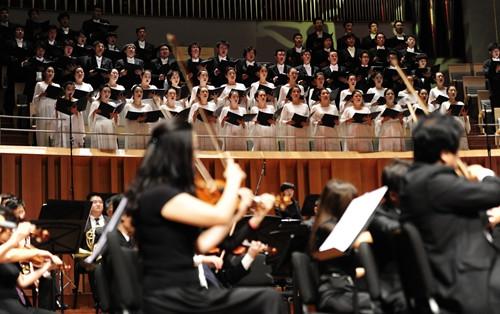 全球华人音乐会在国家大剧院演绎经典曲目