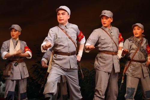 谭孝曾:京剧不仅是一门艺术 更是一种文化