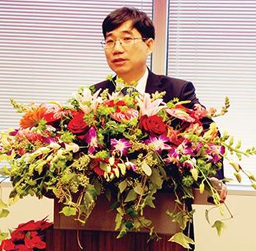 中国侨网北京中医药大学校长、免疫学家徐安龙教授致开幕辞。(美国《侨报》资料图)