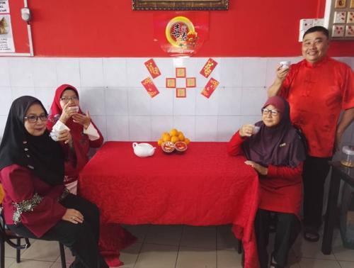 延续华人传统马来西亚华巫裔通婚家庭坚持过春节