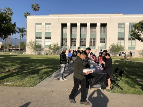 美国加州首次面向亚太裔区  州长竞选辩论会