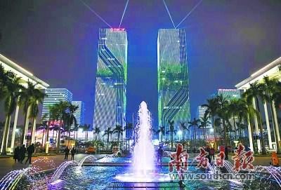 夜晚的江门万达广场流光溢彩。南方日报记者 杨兴乐 摄
