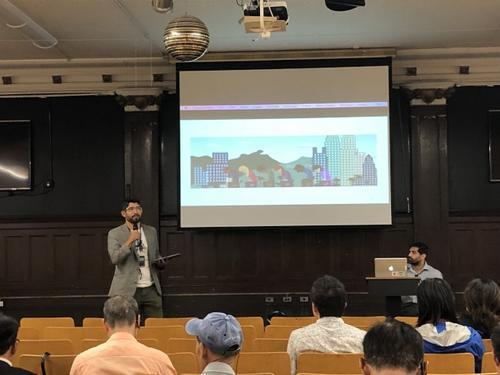 万齐家10日召开会议,邀请华裔居民就土地用途重新规划议题表达意见。(美国《世界日报》/颜洁恩 摄)