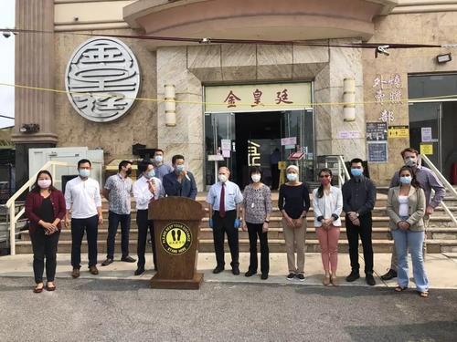 美国中餐业联盟(纽约)分会携手州众议员寇顿在布鲁克林举行座谈会,多名华人餐饮业者现身表述自身面临的问题。(美国《世界日报》/颜洁恩 摄)