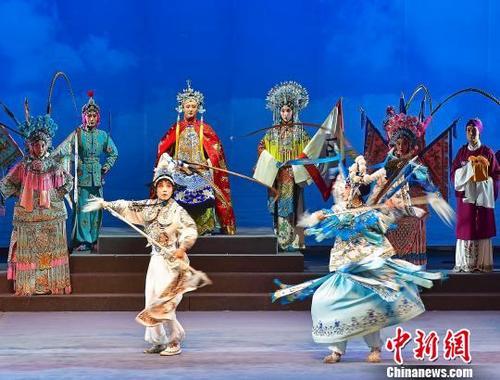 2019年百戏(昆山)盛典开幕式演出扬剧《百岁挂帅》文旅部艺术司供图
