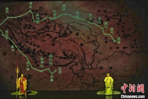 9月23日晚,集合大型民族器乐剧《玄奘西行》在敦煌上演。 甘肃省文化和旅游厅供图